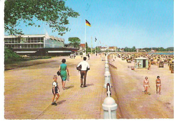 Lübeck. Ostseebad Travemünde. Strandpromenade mit Meerwasserschwimmbad.: Ansichtskarte (PLZ: 23570):