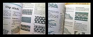 THE HANDKNITTER'S HANDBOOK: 2nd Edition: Stanley, Montse