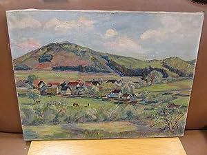 Blick auf Wiesen vor einem Dorf, im Hintergrund ein Höhenzug. Ölgemälde auf Leinwand.: Schnaars, ...