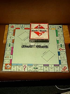 Monopoly. Trade mark. Manufactered in Great Britain by John Waddington Ltd.