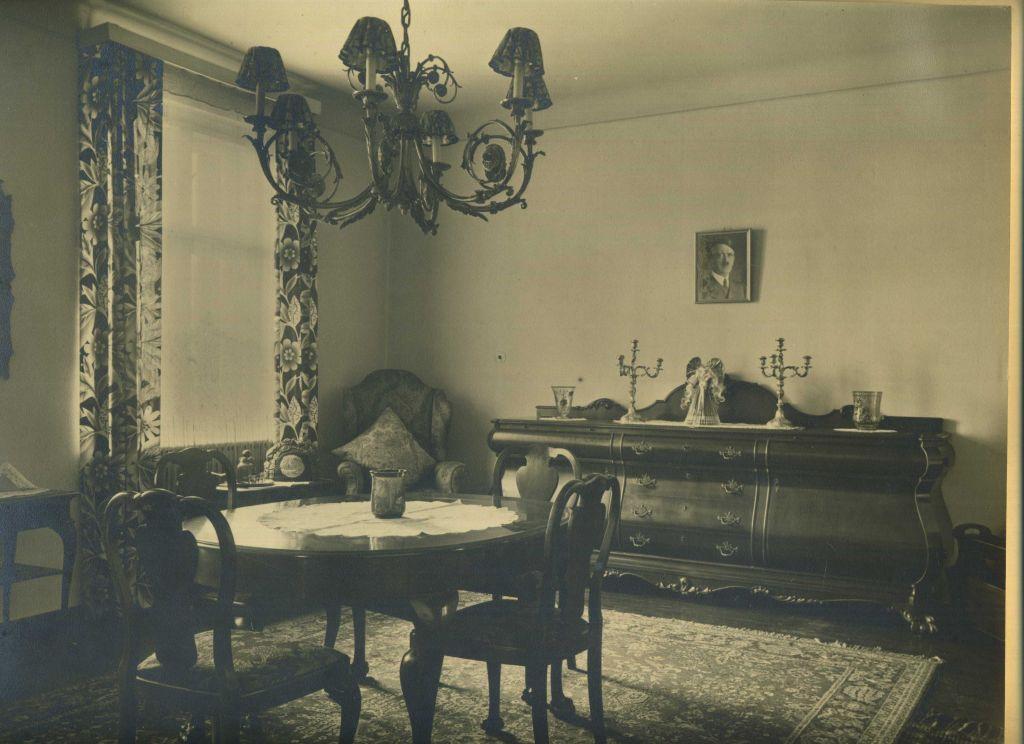 1 original Foto . Deutsches Wohnzimmeridyll um 1943. Silver gelatin ...