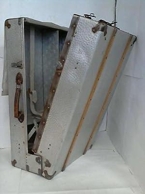 Silberner Flieger-Koffer mit 3 Holzbügeln - Metall mit Holzschienen beschlagen: Flieger-Koffer