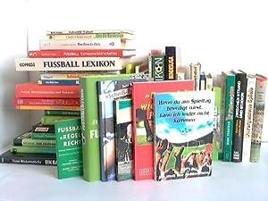 43 verschiedene Bände: Fußball