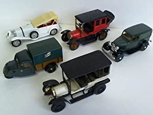 5 verschiedene Oldtimer: Modell-Autos