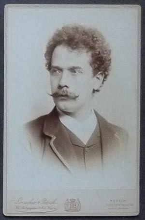 Kabinett-Fotografie von Loescher & Petsch, Berlin, 1886 (Blindprägung auf Untersatzkarton ...