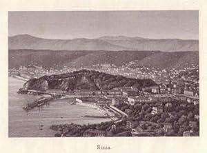 Nizza. Gesamtansicht. Blick von einer Anhöhe auf die Stadt, im Hintergrund Berge. Bezeichnung ...