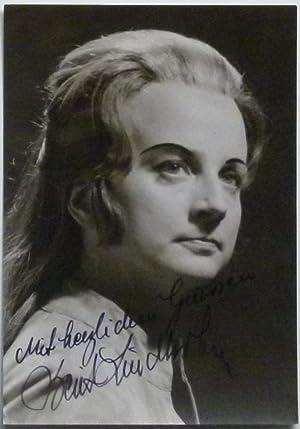Original-Fotografie von Wilhelm Rauh. Von Berit Lindholm auf der Bildseite mit schwarzer Tinte ...