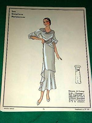Gravure de mode en couleurs de 1933 représentant un modèle de robede la maison ...