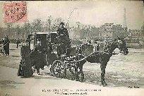 2297- PARIS NOUVEAU - LES FEMMES COCHER. Mme Véron ; premiers clients.: Carte Postale ...