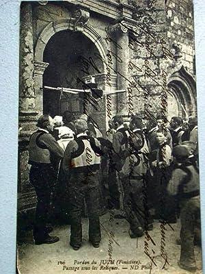 106Pardon du Juch (Finistère). Passage sous les Reliques: Carte Postale