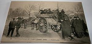 30INONDATIONS DE PARIS (Janvier 1910). Pauvres gens !: Carte Postale