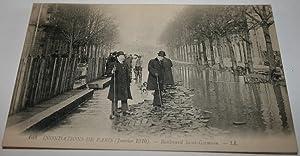 108Inondations de Paris. (Janvier 1910). Boulevard SaintGermain.: Carte Postale