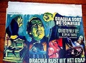 AfficheLithographie couleurs. DRACULA sort du tombeau. Dracula rijst: AFFICHE DE CINEMA