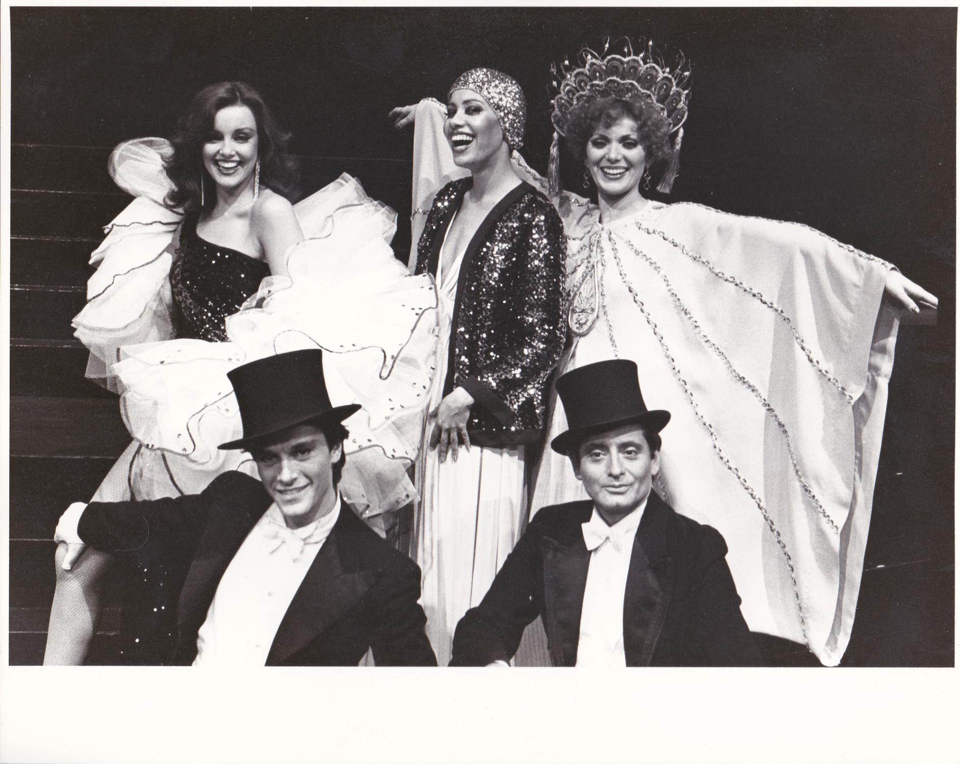 Iza Calzado (b. 1982) picture