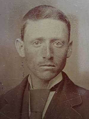 ANTIQUE AMERICAN YOUNG GINGER REDHEAD MAN GENT DAPPER VICTORIAN TINTYPE PHOTO