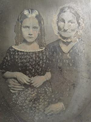 ANTIQUE CIVIL WAR AMERICAN FOLK ART GRANDMAS HANDS GIRL TINTYPE FULL PLATE PHOTO