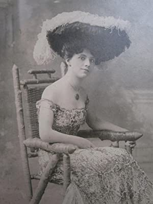 ANTIQUE AMERICAN BEAUTY PHALLIC WOOD CHAIR SEQUIN DRESS VICTORIAN HAT OLD PHOTO