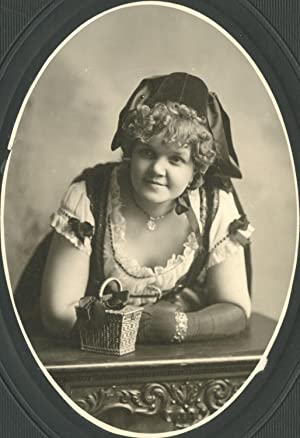 VINTAGE AMERICAN IMMIGRANT DRESS BEAUTY BLONDE WEAVED BASKET CHICAGO OLD PHOTO