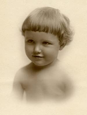 ANTIQUE VINTAGE CUTE BABY PERFECT ANGEL ARTISTIC STUDIO VIGNETTE DREAMY PHOTO