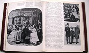 MIRROR, MIRROR, A SOCIAL HISTORY OF FASHION: Batterberry, Michael & Ariane