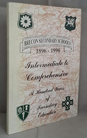 Intermediate to Comprehensive. A Hundred Years of Secondary Education in Retrospect.