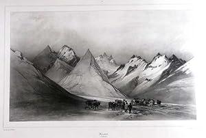 Blick auf schneeverhangene Berge auf Island.: ISLAND: Medalfell: