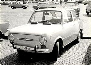 Foto Ansichtskarte / Postkarte Fiat 124?, 750?,