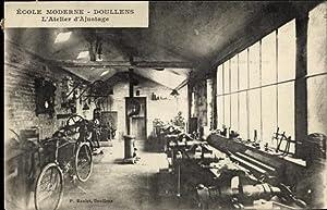 Ansichtskarte / Postkarte Doullens Somme, École moderne,