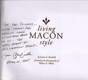 Living Macon Style: Barfield, James E.; Elliott, Walter G. (Photographer)