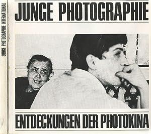 Junge Photographie - Junge Photographie International. Zwei Bände im Pappschuber. Entdeckungen...