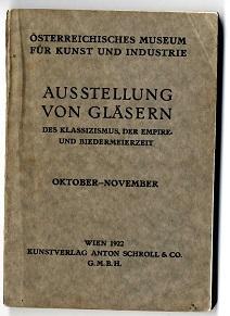Ausstellung von Gläsern des Klassizismus, der Empire- und Biedermeierzeit.