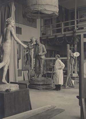 Engelhart, Josef (1864-1941). Im Atelier mit seiner: Engelhart, Josef -