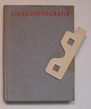 Stereofotografie. (mit beiligender Stereo-Betrachtungsbrille) Mit 188 Abbildungen im Text und auf 8...