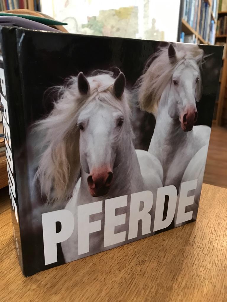 Pferde. (= Cube book). - Manili, Paolo
