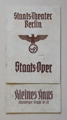 Staats-Theater Berlin, Kleines Haus, Nürnberger Str. 70 - 71. [2 Programmhefte].