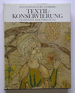 Textil-Konservierung im Dienste der Forschung. Ein Dokumentarbericht der Textilabteilung zum ...