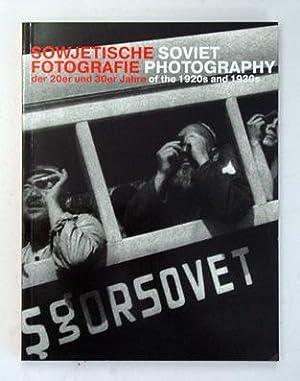 Sowjetische Fotografie der 20er und 30er Jahre. Soviet photography of the 1920s and 1930s.