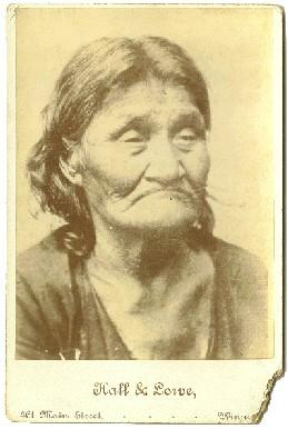 Sioux Squaw: Hall & Lowe, Photographers, Winnipeg