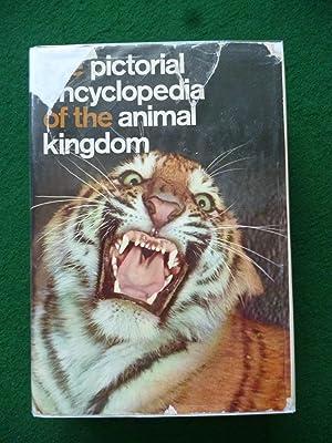 The Pictorial Encyclopedia Of The Animal Kingdom: V. J. Stanek