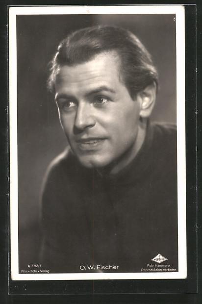 Ansichtskarte Schauspieler O. W. Fischer in einem