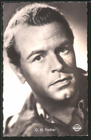 Ansichtskarte Schauspieler O. W. Fischer blickt in
