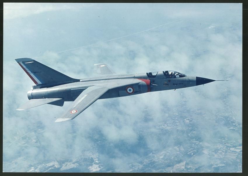 Sammeln & Seltenes Fotografie Flugzeug Dassault Mirage Milan Wird Betankt