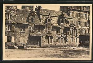 Carte postale Roscoff, Place Michel-Bouquet, Vieille Maison