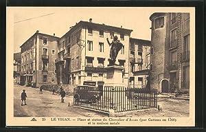 Carte postale Le Vigan, Place et statue