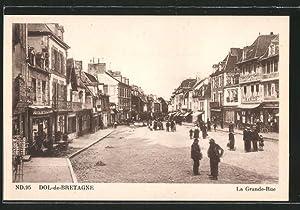 Carte postale Dol-de-Bretagne, La Grande-Rue