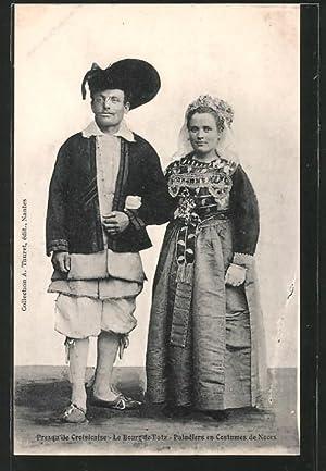 Carte postale Bourg-de-Batz, Paludiers en Costumes de