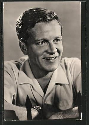 Ansichtskarte Schauspieler Rolf Möbius im weissen Hemd