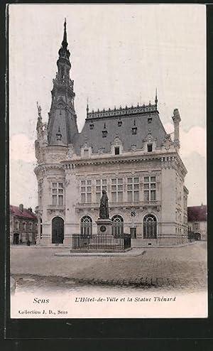 Carte postale Sens, l'hôtel-de-ville et la statue
