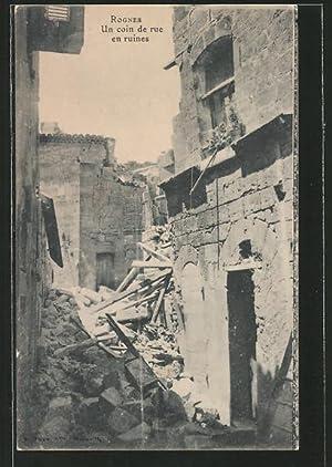 Ansichtskarte Rognes, Un coin de rue en