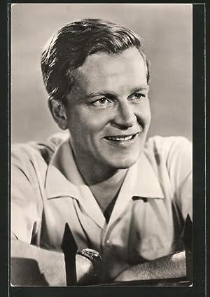 Ansichtskarte Schauspieler Rolf Möbius lächelnd zur Seite